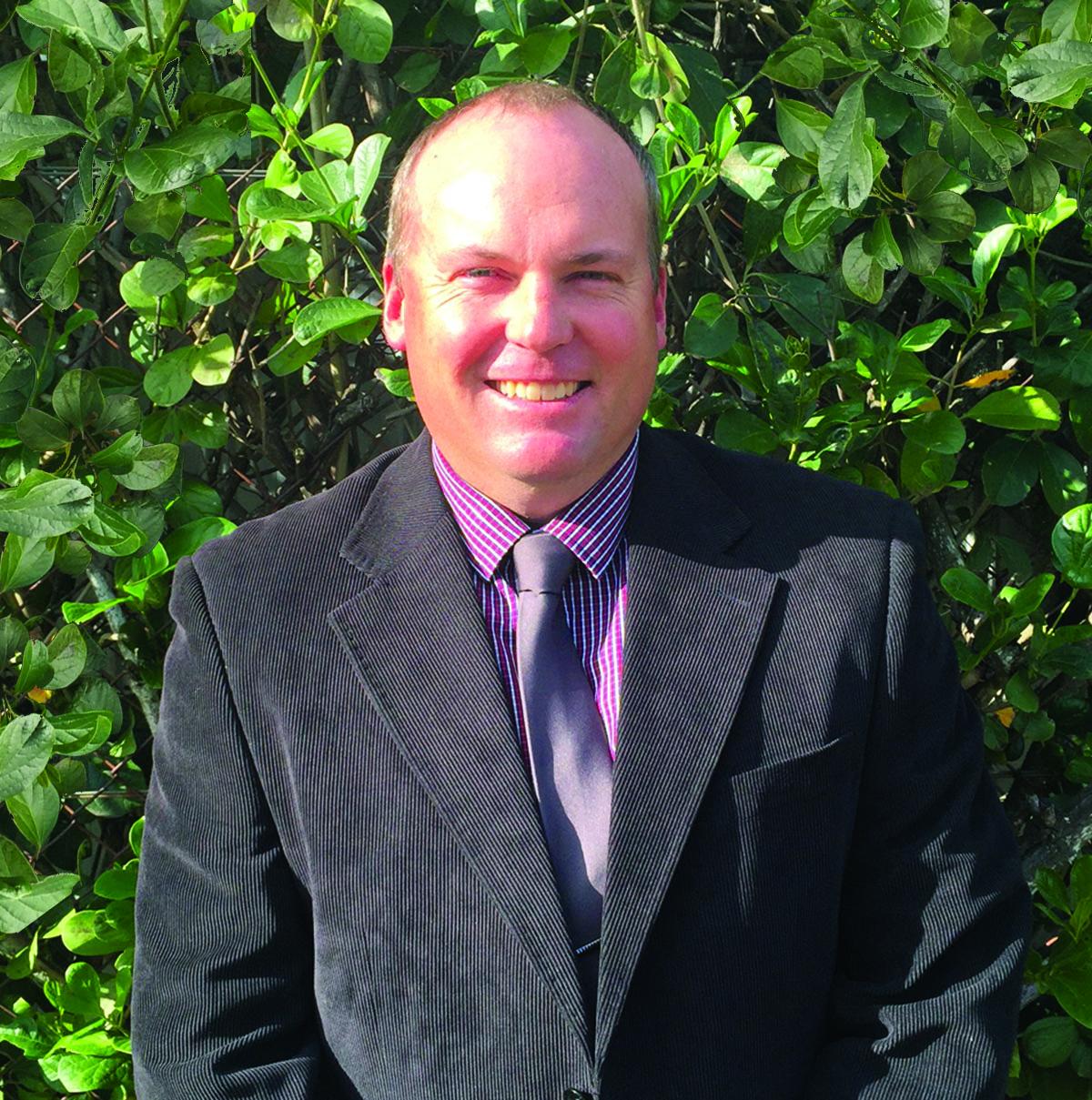 Cr Robbie Radel